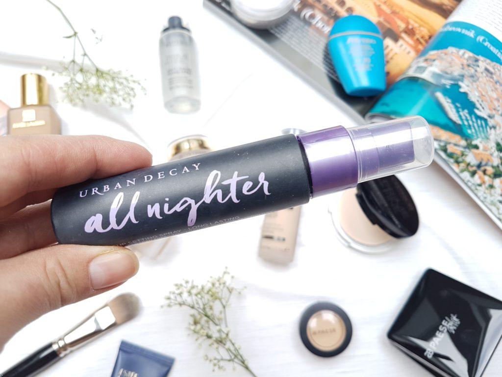 Tipy na trvácne a vodeodolné makeupy